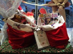 xmas-donated-gifts-2016